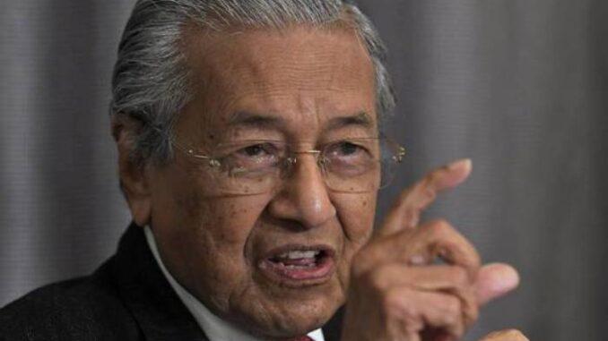 Tun Mahathir beri cadangan agar potong 10 peratus Gaji Kakitangan Awam dan Swasta